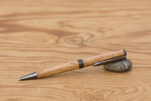 donegal pens handgefertigte kugelschreiber aus holz geschenke. Black Bedroom Furniture Sets. Home Design Ideas